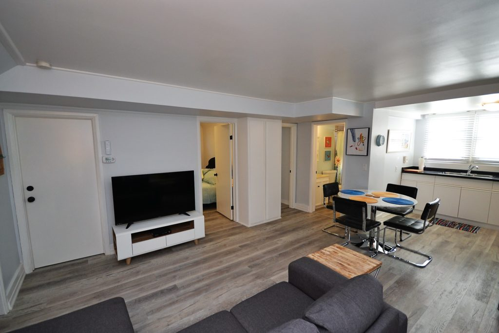 piccadilly street furnished suite living tv area image